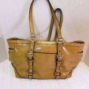 EUC. Coach Patent Leather Signature Gallery Tote